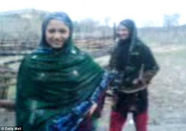 Le due vittime: giovani donne pakistane (tra i 15 e i 16 anni) residenti nel nord del paese.