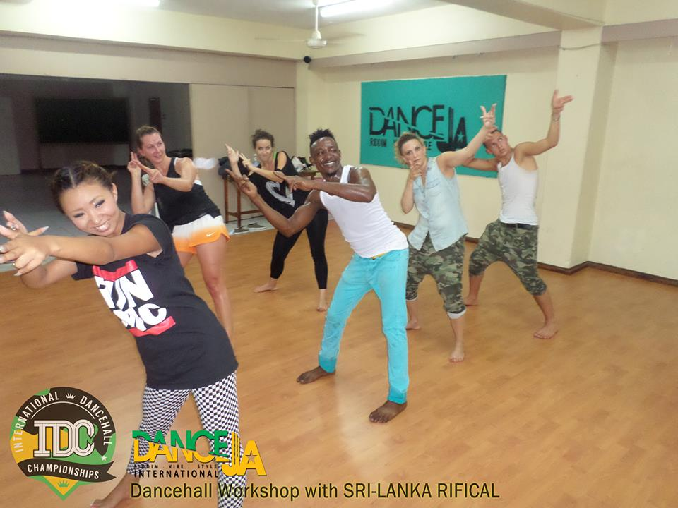 Sri-Lanka workshop (estate 2013 - DanceJA)